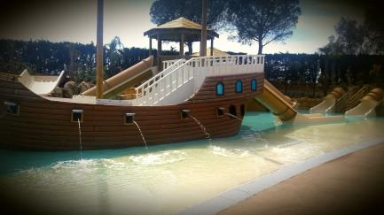 NOUVELLE ATTRACTION POUR ENFANTS: PIRATE ISLAND!